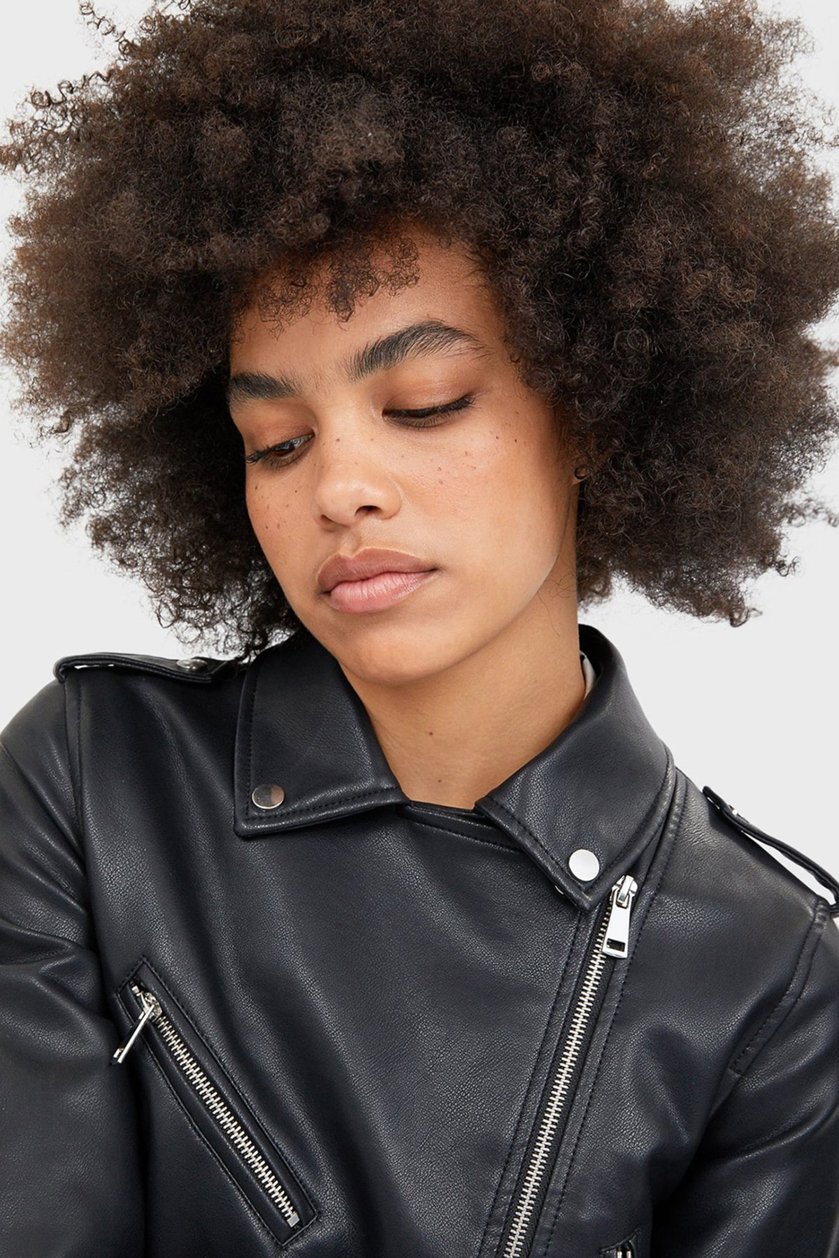 Stradivarius Kadın Siyah Kemerli Suni Deri Basic Ceket 2