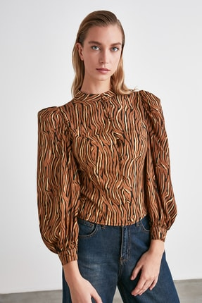 TRENDYOLMİLLA Camel Omuz Detaylı Gömlek TWOAW21GO0452 2