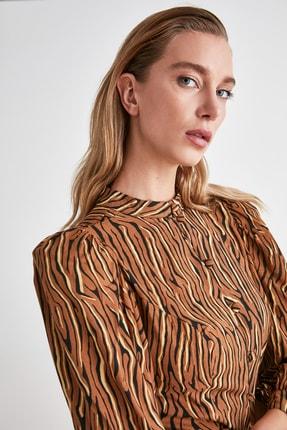 TRENDYOLMİLLA Camel Omuz Detaylı Gömlek TWOAW21GO0452 3