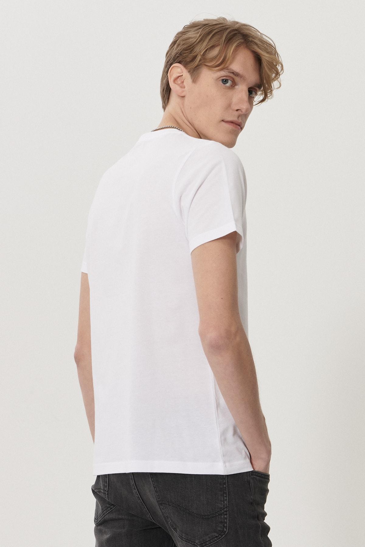 Lee Erkek Beyaz Regular Fit Bisiklet Yaka T-Shirt 3