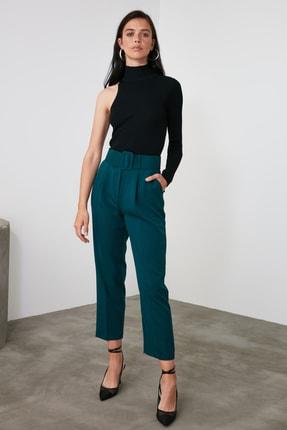 TRENDYOLMİLLA Zümrüt Yeşili Kemer Detaylı Pantolon TWOSS19BB0468 0