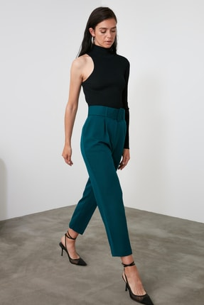 TRENDYOLMİLLA Zümrüt Yeşili Kemer Detaylı Pantolon TWOSS19BB0468 2