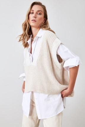 TRENDYOLMİLLA Taş Yaka Detaylı Triko Bluz TWOAW21BZ0014 3