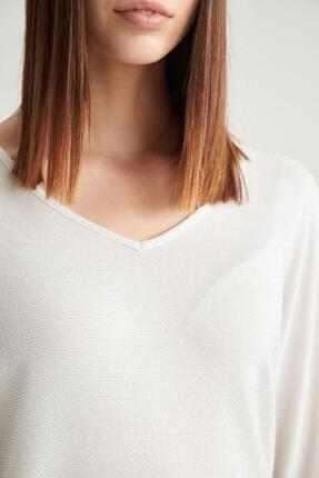 Defacto Kadın Ekru V Yaka Yarasa Kol Relax Fit Bluz 2