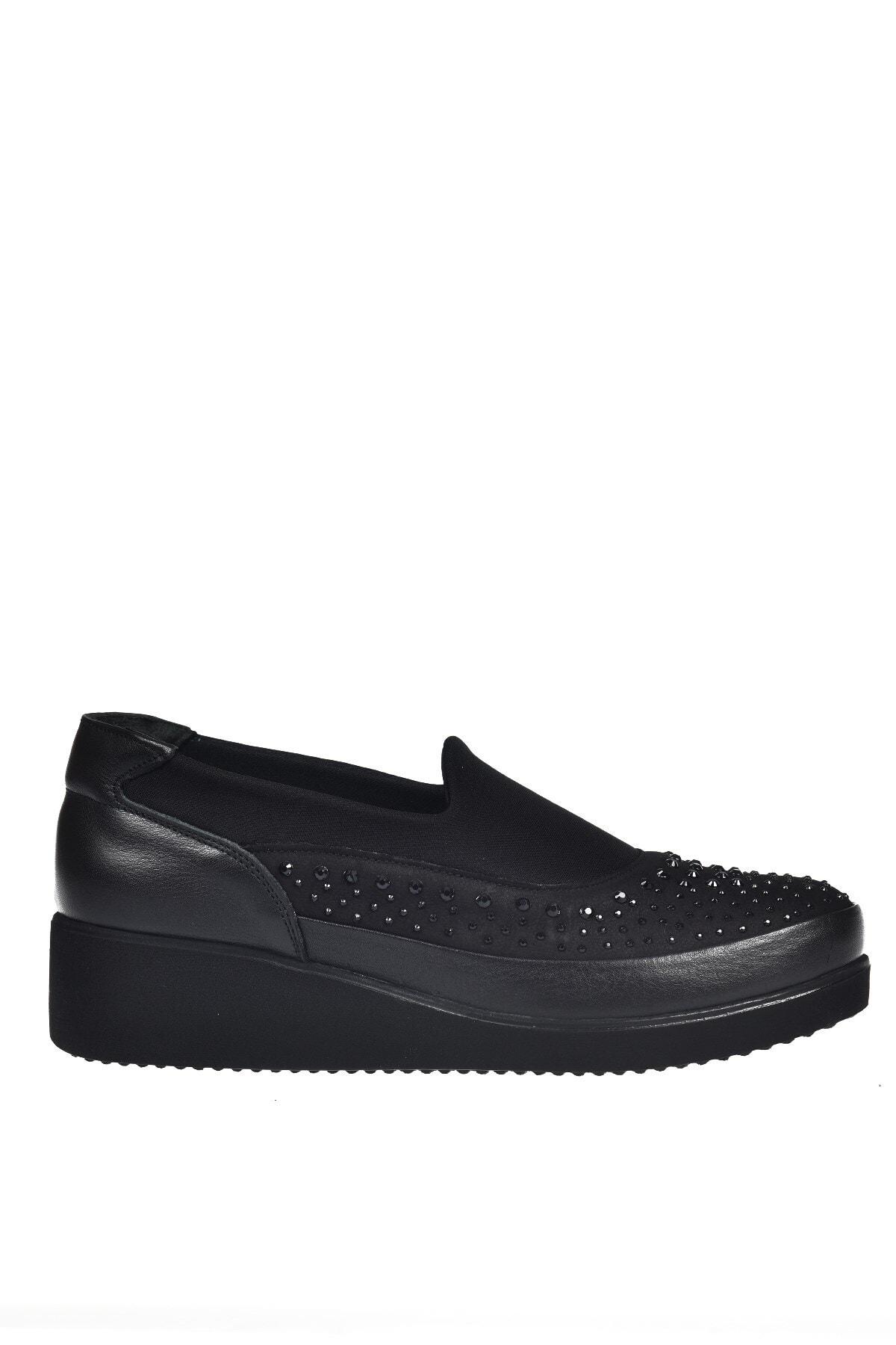 Üçel 3540 Hakiki Deri Kadın Ayakkabı Siyah Garni