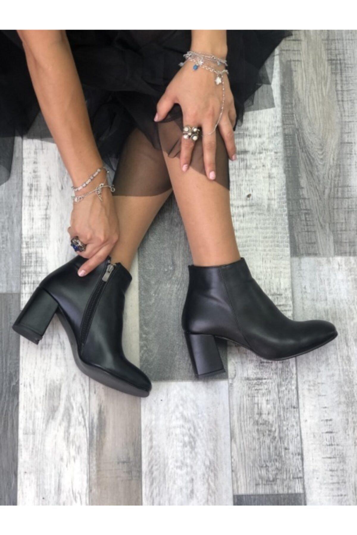 Kadın Siyah Yaris Deri Topuklu Bot