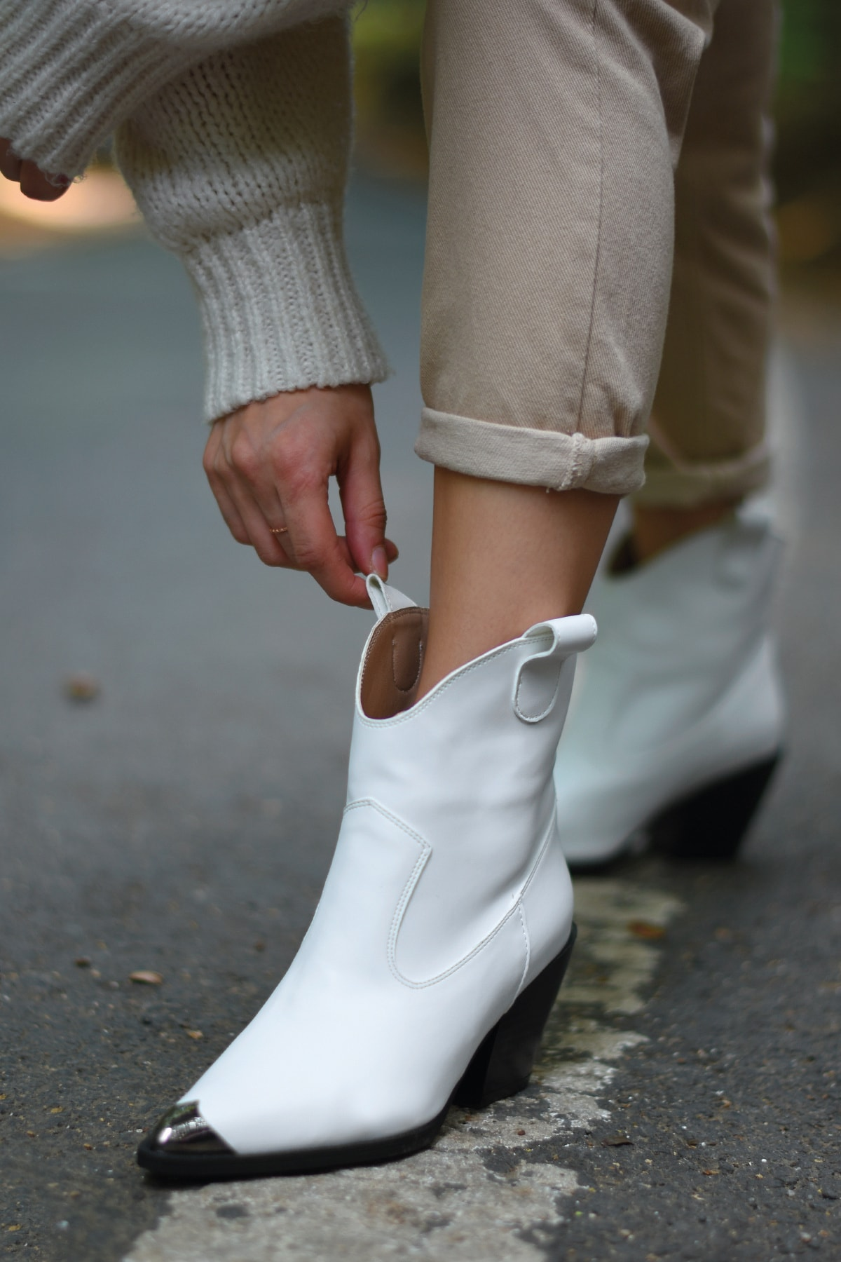 Bej Ayakkabı Kadın Beyaz Cilt Bot