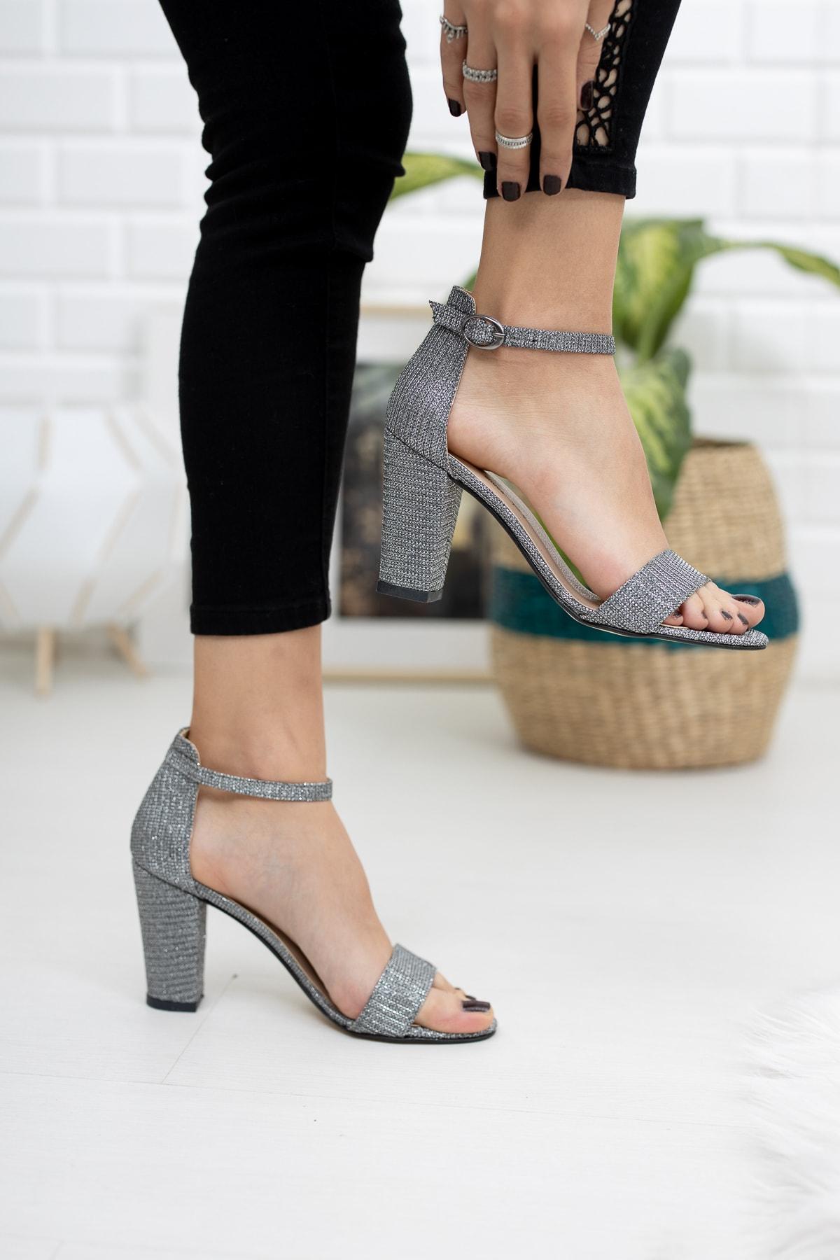 RANA SHOES Pilatin Kalın Topuklu Bilekten Bağlı Kadın Ayakkabı