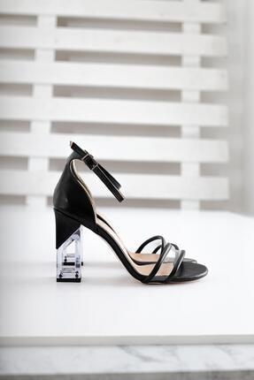 Limoya Kadın Siyah Kırışık Rugan Şeffaf Bantlı Ve Şeffaf Topuklu İnce Kemerli Sandalet 2
