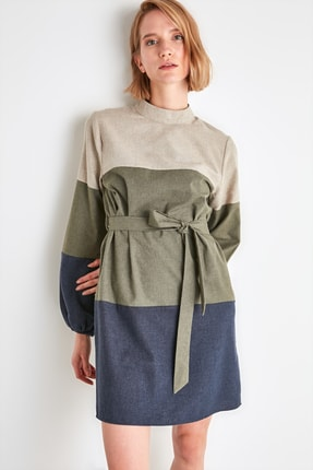 TRENDYOLMİLLA Çok Renkli Kuşaklı Elbise TWOAW21EL2074 3