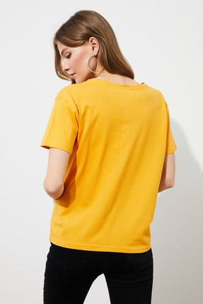 TRENDYOLMİLLA Hardal Baskılı Semifitted Örme T-shirt TWOSS19VG0126 4