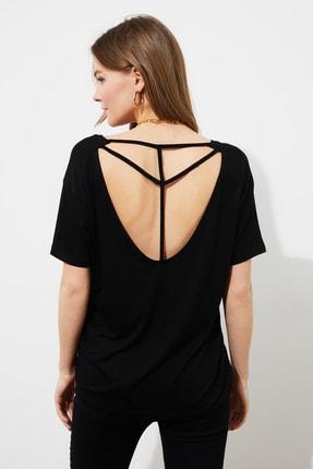 TRENDYOLMİLLA Siyah Sırt Detaylı Örme T-Shirt TWOSS20TS0881 4