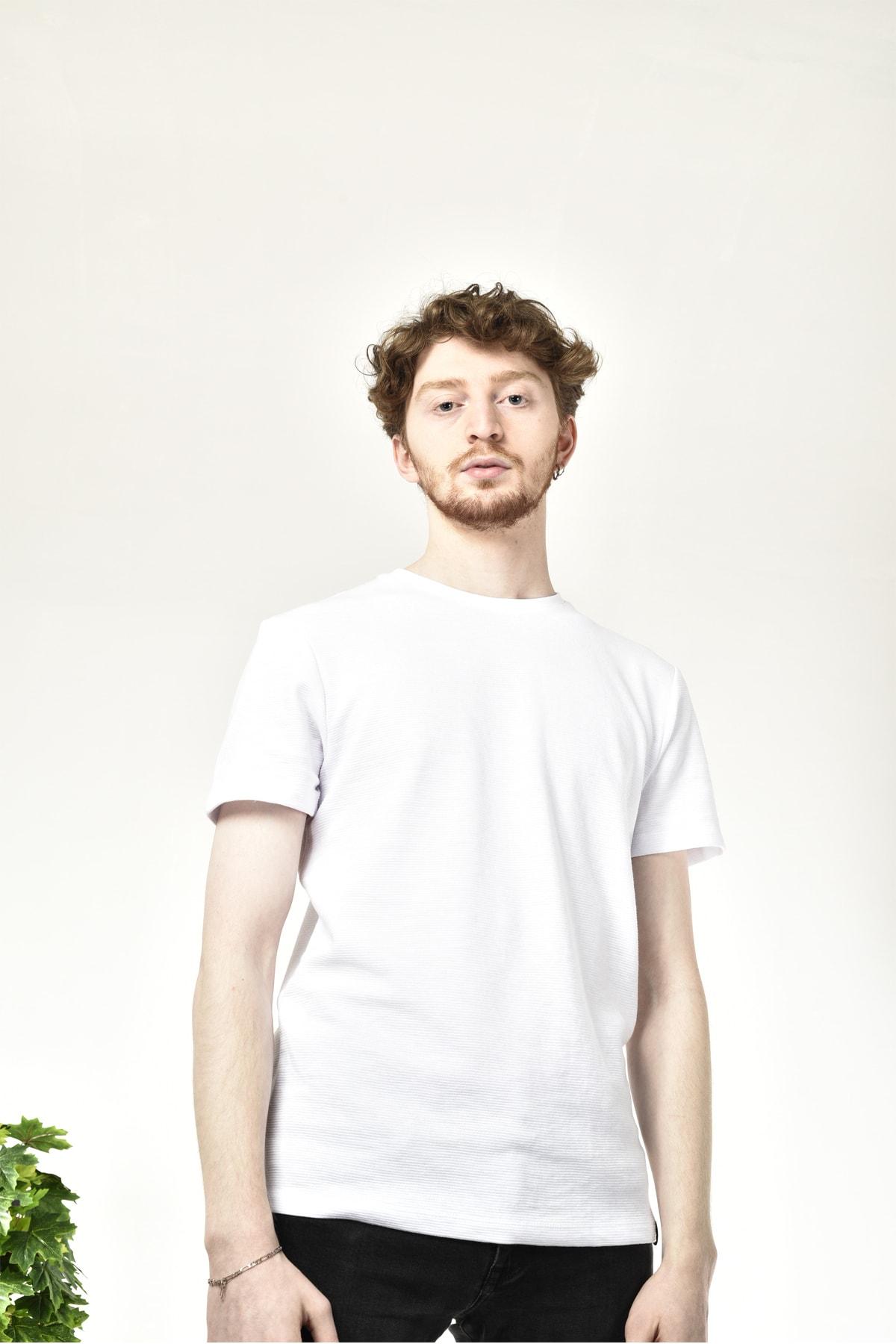 Erkek Beyaz Bisiklet Yaka Basic T-shirt