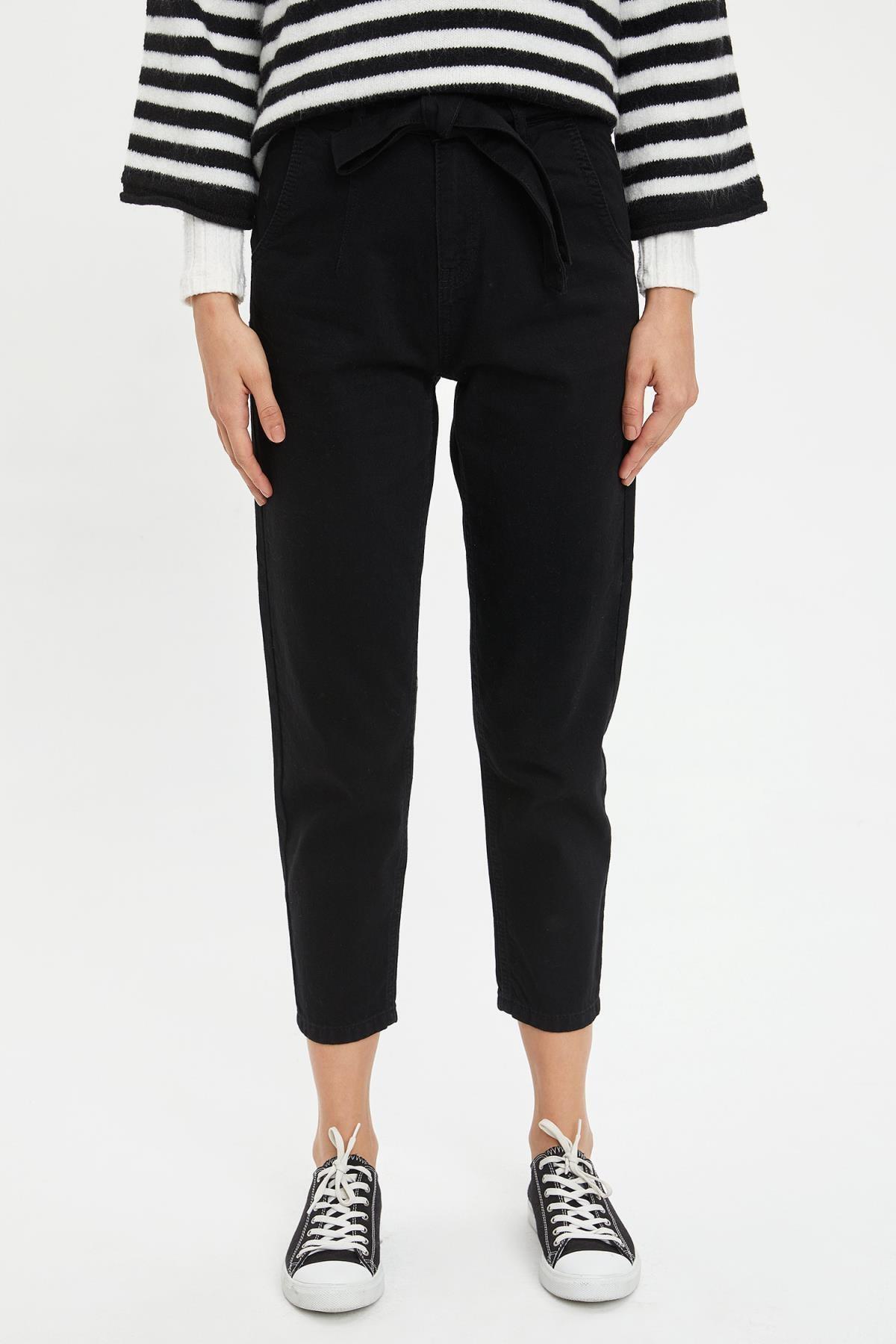 Kadın Siyah Fashion Fit Kemerli Jean Pantolon L7310AZ20SPNM
