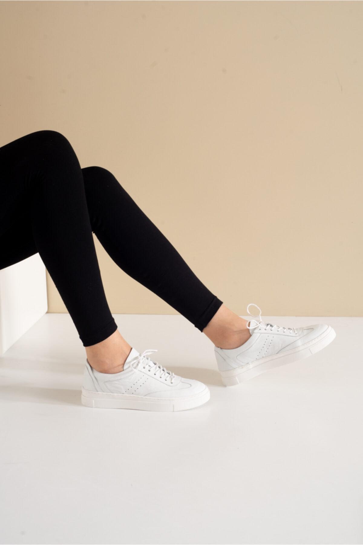 Gerçek Deri Beyaz Spor Ayakkabı