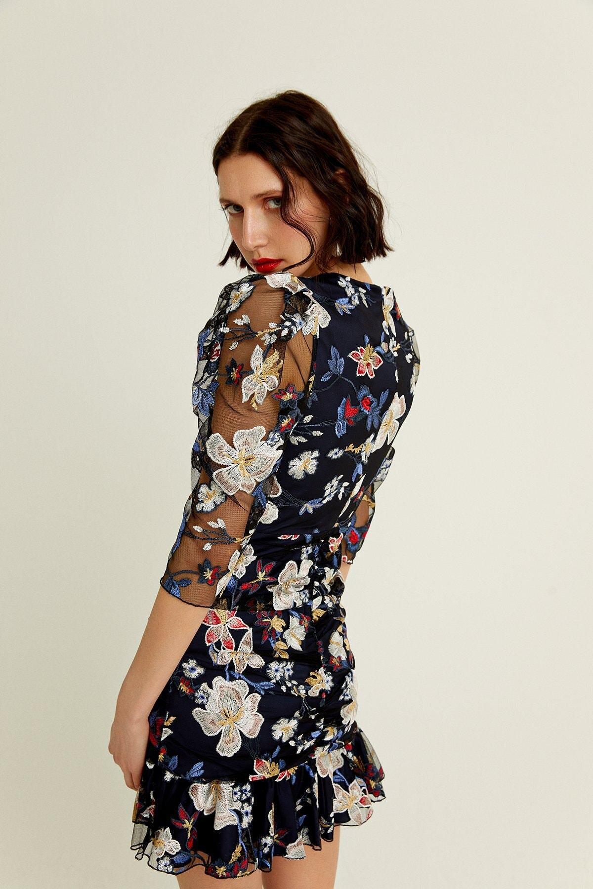 Kadın Lacivert Çiçek İşlemeli Kolları Transparan Mini Elbise