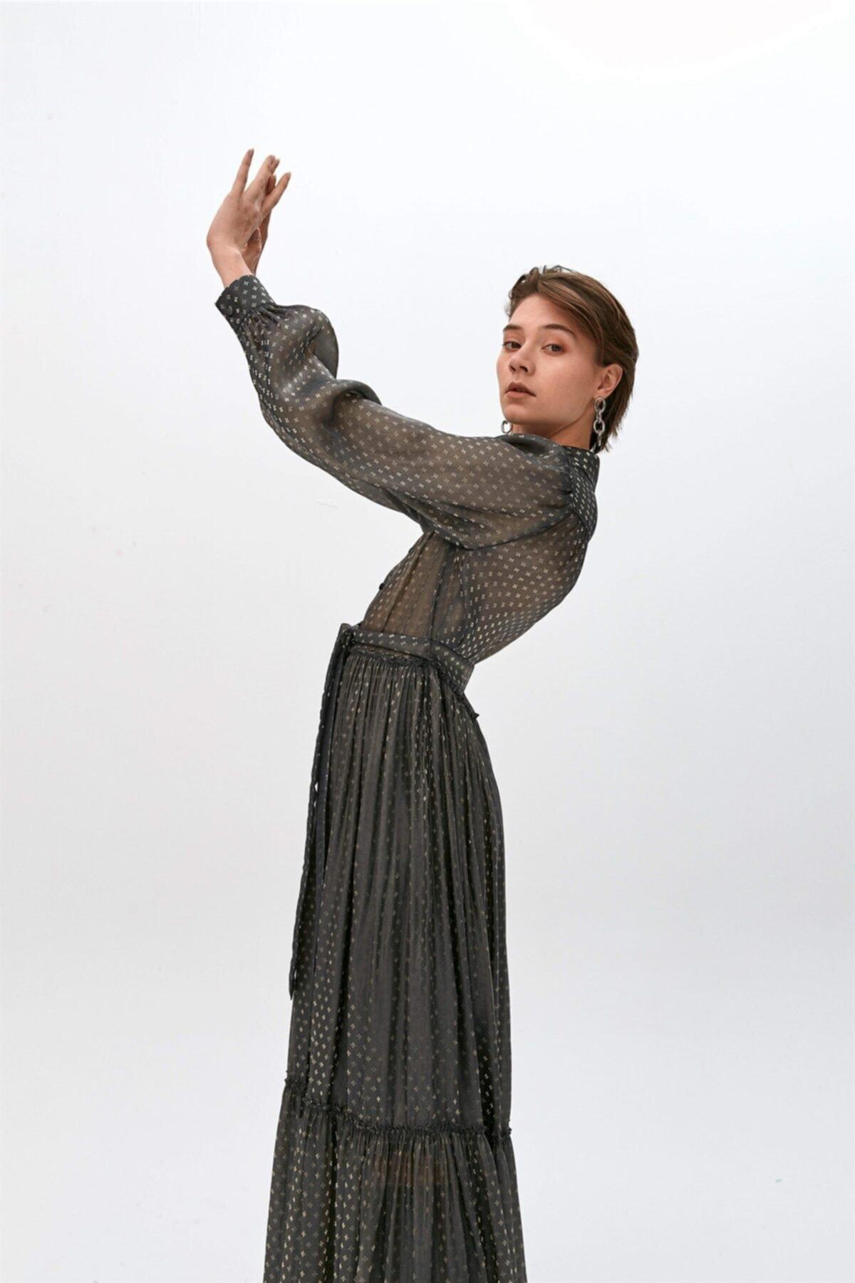 Antrasit Puantiyeli Uzun Elbise