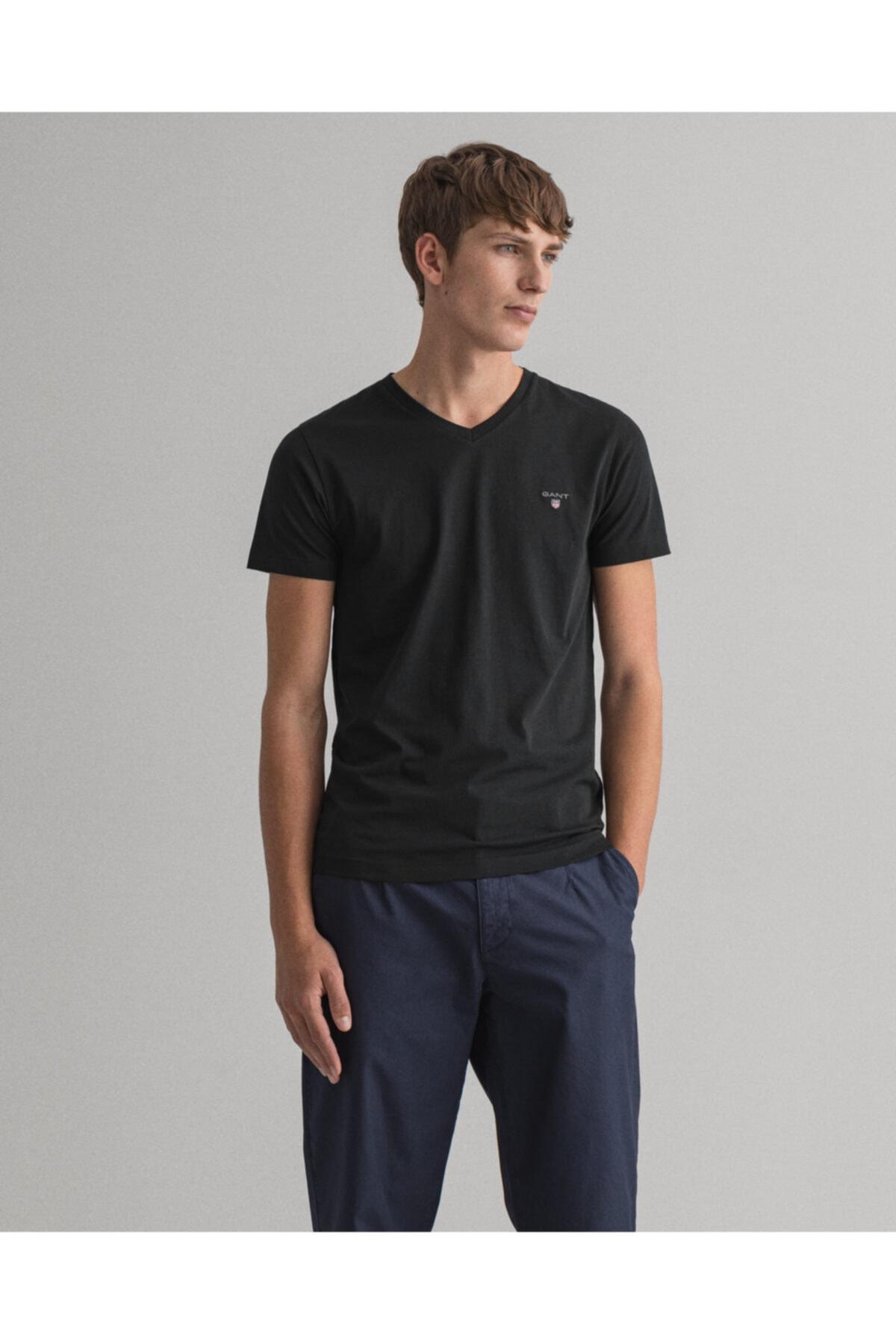 Erkek Siyah Slim Fit V Yaka T-Shirt