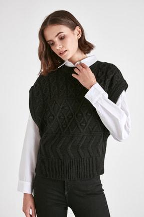 TRENDYOLMİLLA Siyah Örgü Detaylı Triko Bluz TWOAW21BZ0447 2