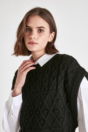 TRENDYOLMİLLA Siyah Örgü Detaylı Triko Bluz TWOAW21BZ0447 3