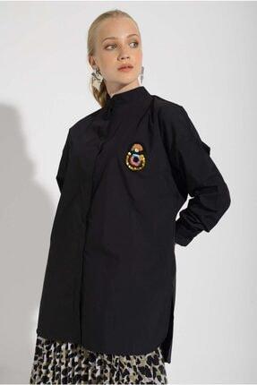 Missemramis Kadın Yanları Yırtmaçlı ve Broşlu Gömlek 202834 4