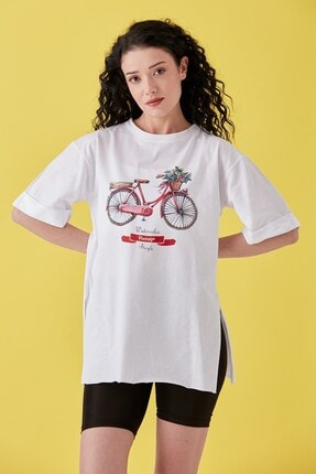 Burchlife Kadın Beyaz Bisiklet Baskılı Duble Kol Yanı Yırtmaçlı T-Shirt 2