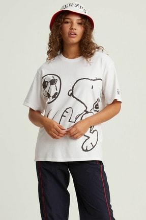 Levi's Kadın Beyaz Oversize T-Shirt 56152-0003 0