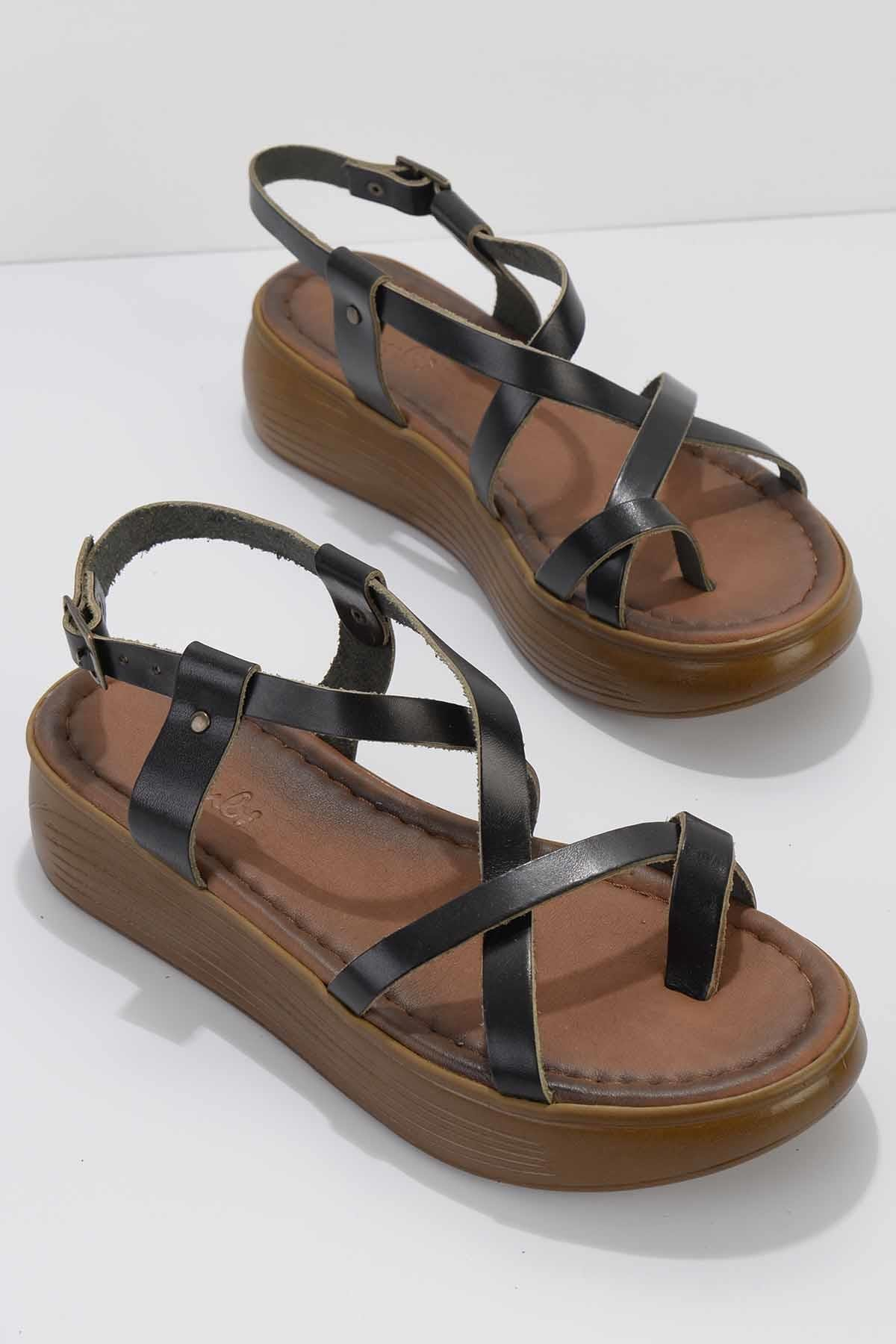Kadın Siyah Deri Sandalet