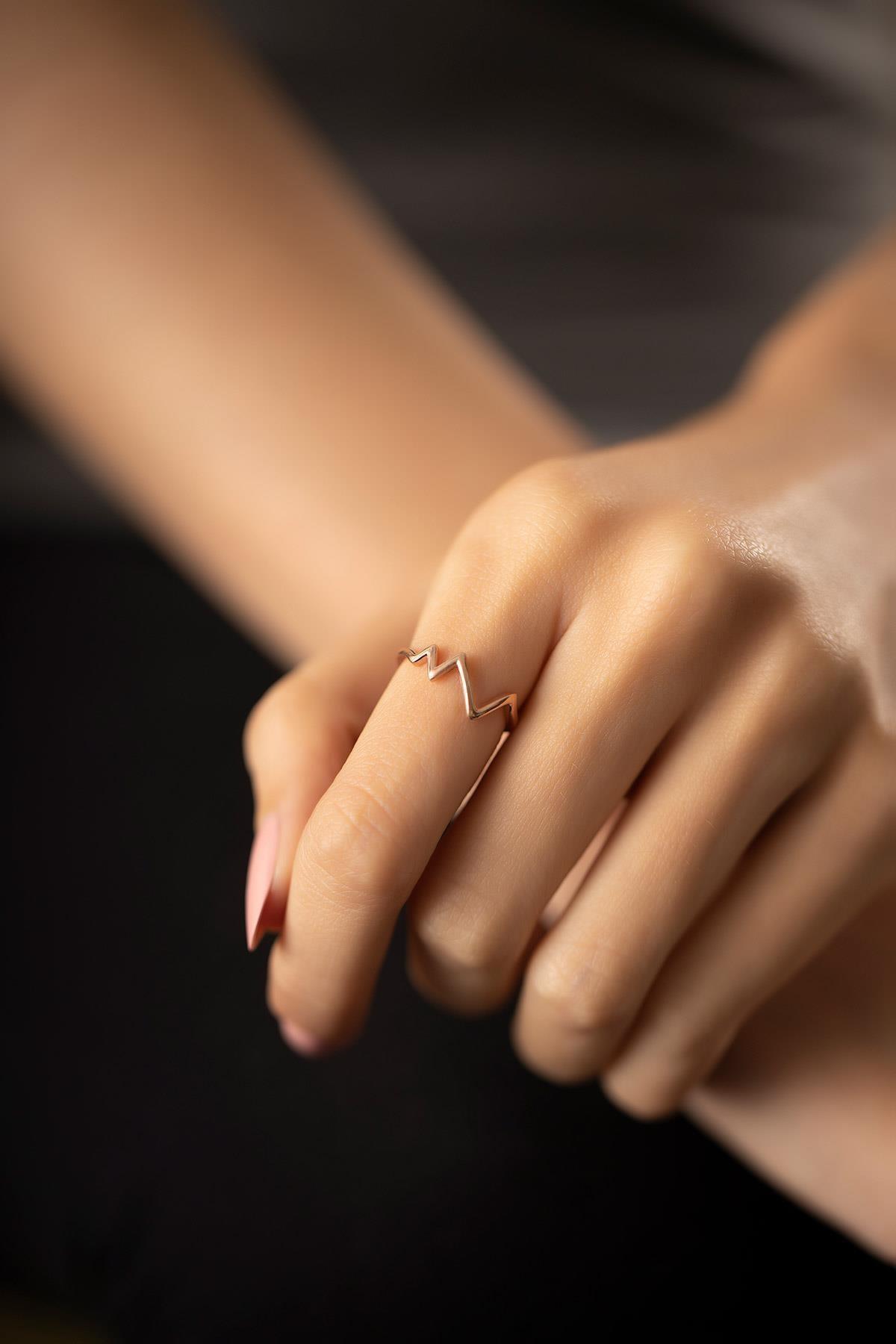İzla Design Kadın Kalp Atışı Model Rose Kaplama Gümüş Yüzük PKT-TLYSLVR0946 2