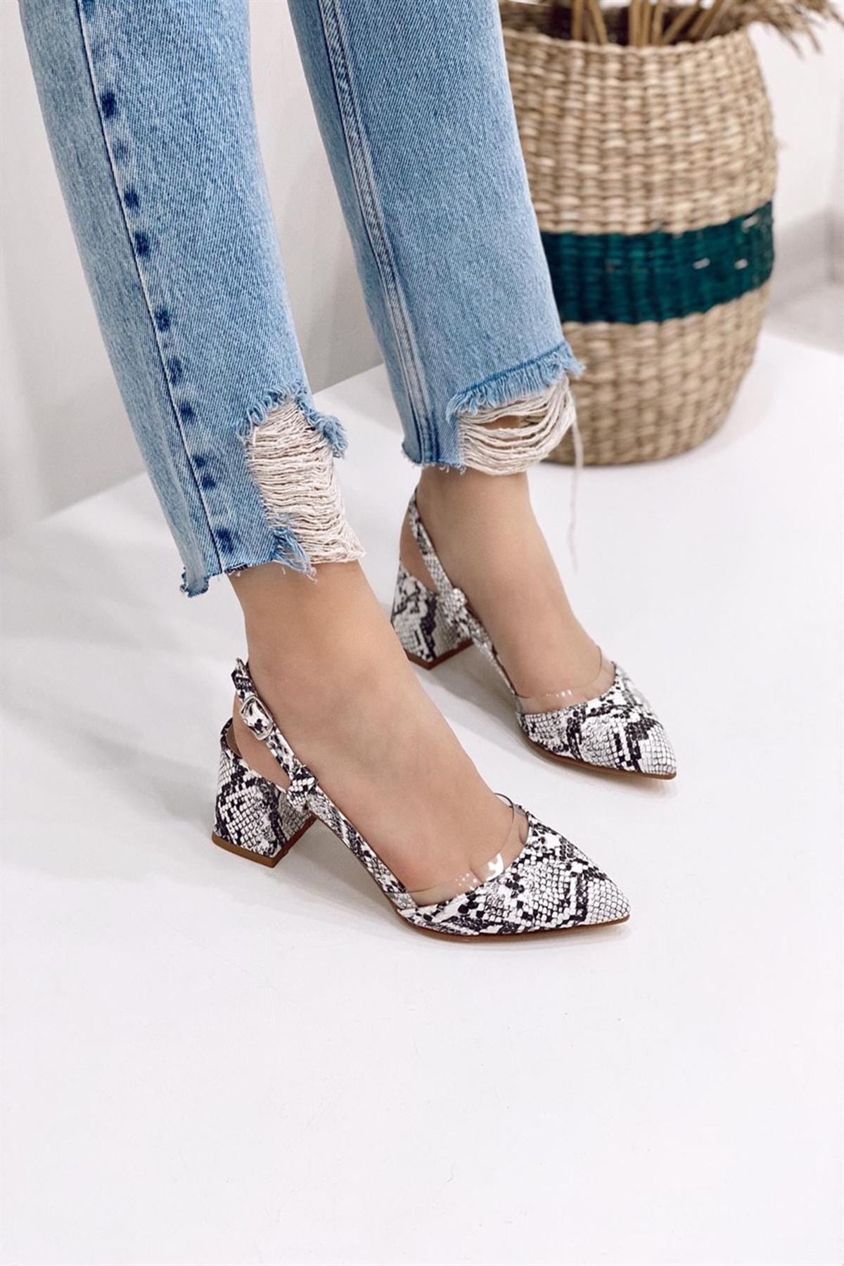 Ayakkabı Modası Beyaz-Beyaz Kadın Klasik Topuklu Ayakkabı 5007-20-119004 0