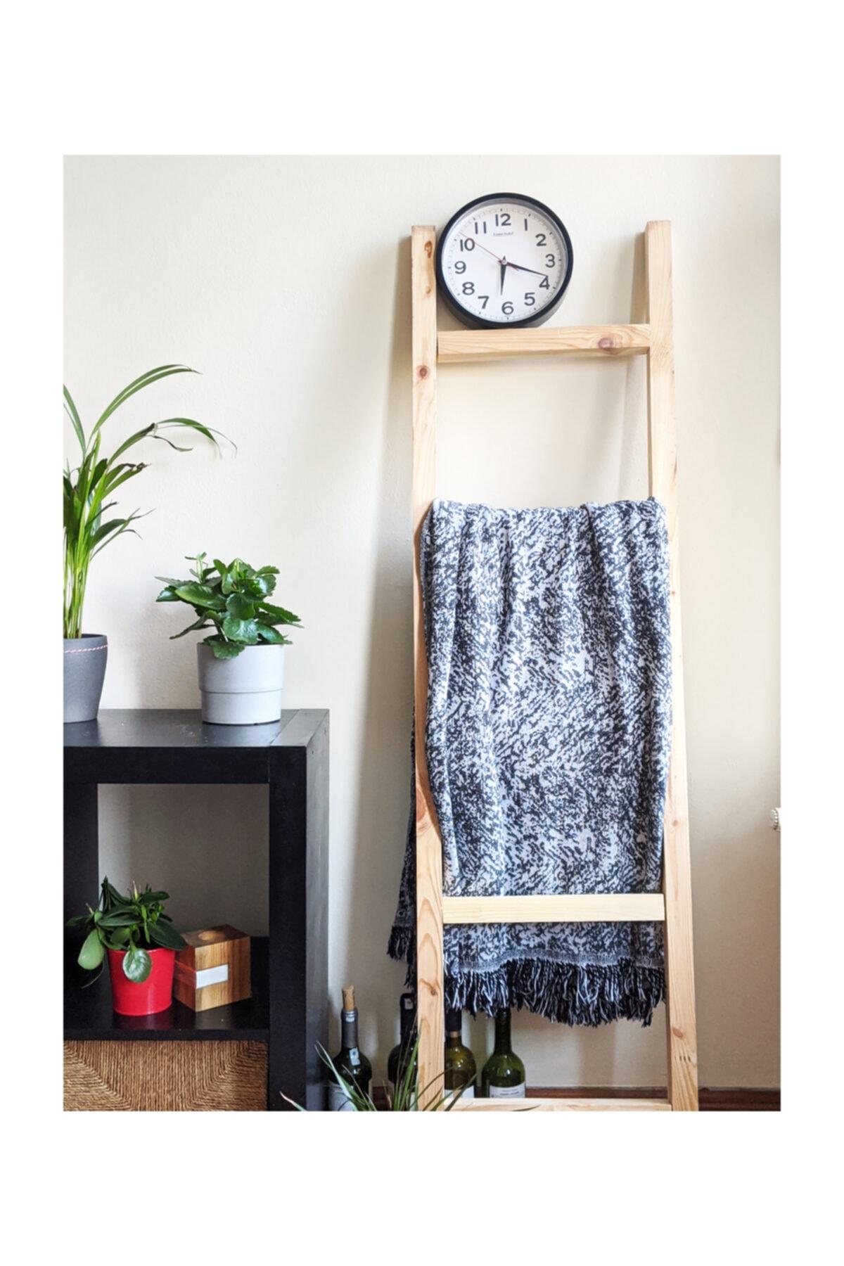 Dec Wood Ladder