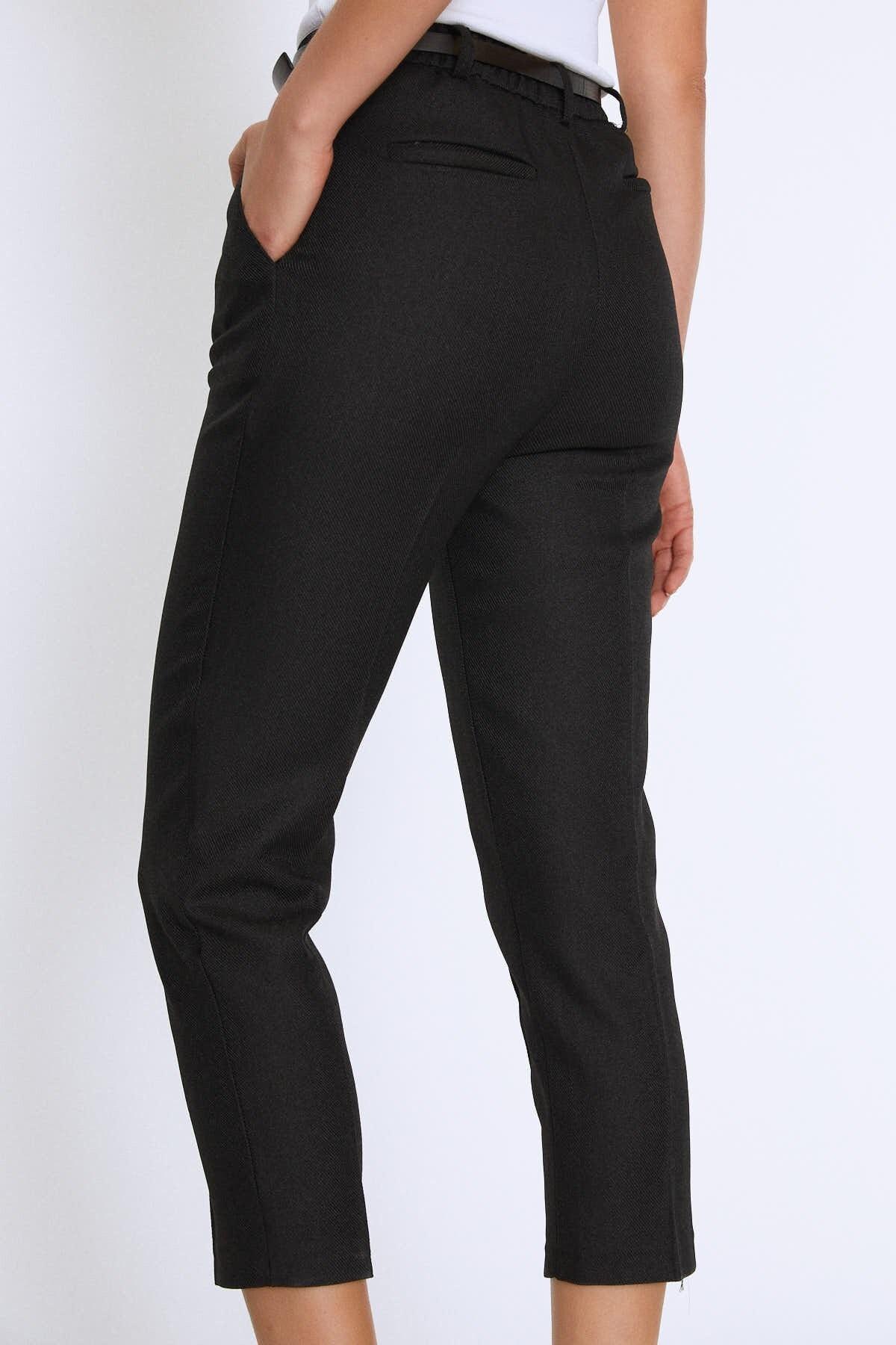 Quzu Kadın Yüksek Bel Kemerli Pantolon Siyah 20K70651-001 4