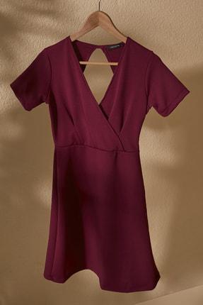 TRENDYOLMİLLA Mor Kruvaze Yaka Sırt Detaylı Örme Elbise TWOSS20EL2796 0