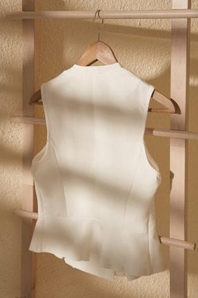 TRENDYOLMİLLA Beyaz Kruvaze Kolsuz Bluz TWOSS20BZ1449 2