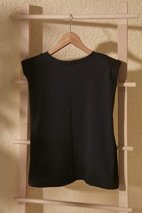 TRENDYOLMİLLA Siyah Vatkalı Basic Örme T-Shirt TWOSS20TS0866 2
