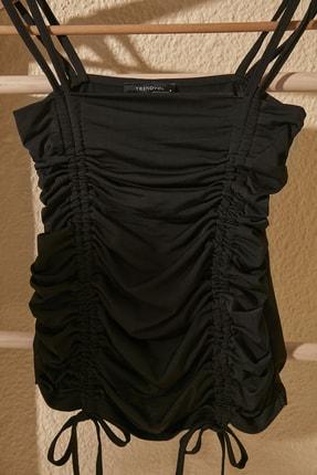 TRENDYOLMİLLA Siyah Yandan Büzgülü Örme Bluz TWOSS20BZ0787 1