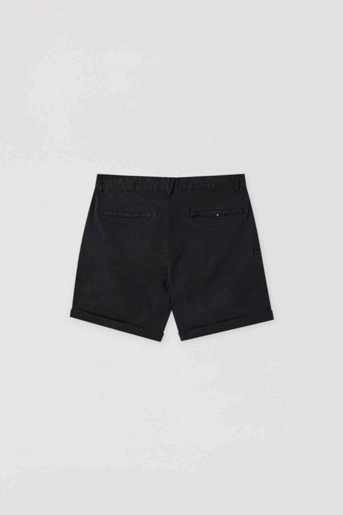 Pull & Bear Erkek Siyah Kumaş boyalı basic bermuda 05690504 4