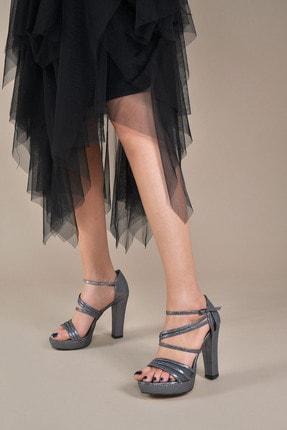 تصویر از Kadın  Platin-Slt Klasik Topuklu Ayakkabı VZN20-035Y