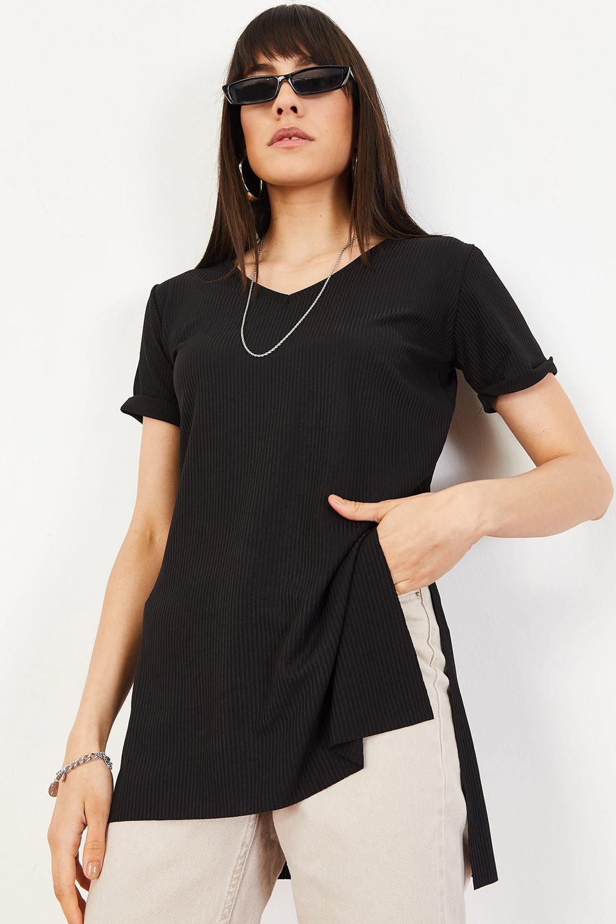 Bianco Lucci Kadın Siyah Kol Yan Yırtmaçlı Kol Detay Kaşkorse T-Shirt 10051012 0
