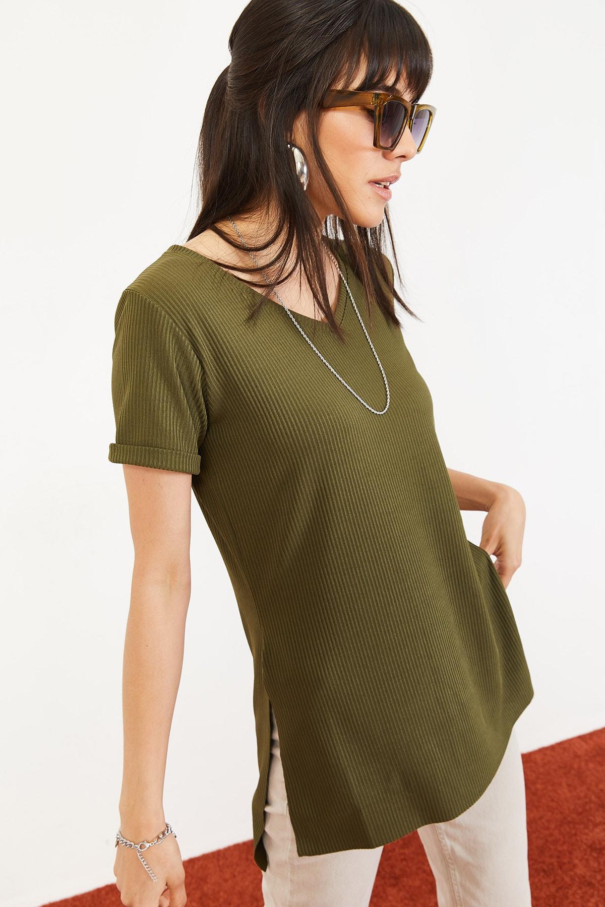 Bianco Lucci Kadın Yeşil Kol Yan Yırtmaçlı Kol Detay Kaşkorse T-Shirt 10051012 0