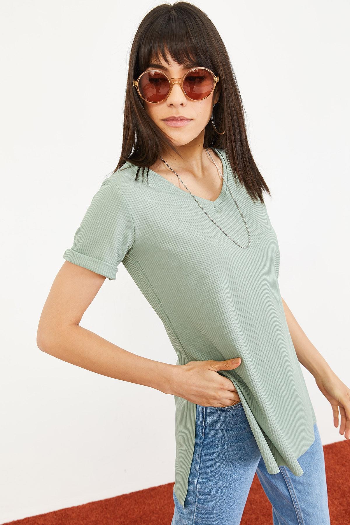Bianco Lucci Kadın Mint Yeşili Kol Yan Yırtmaçlı Kol Detay Kaşkorse T-Shirt 10051012 2