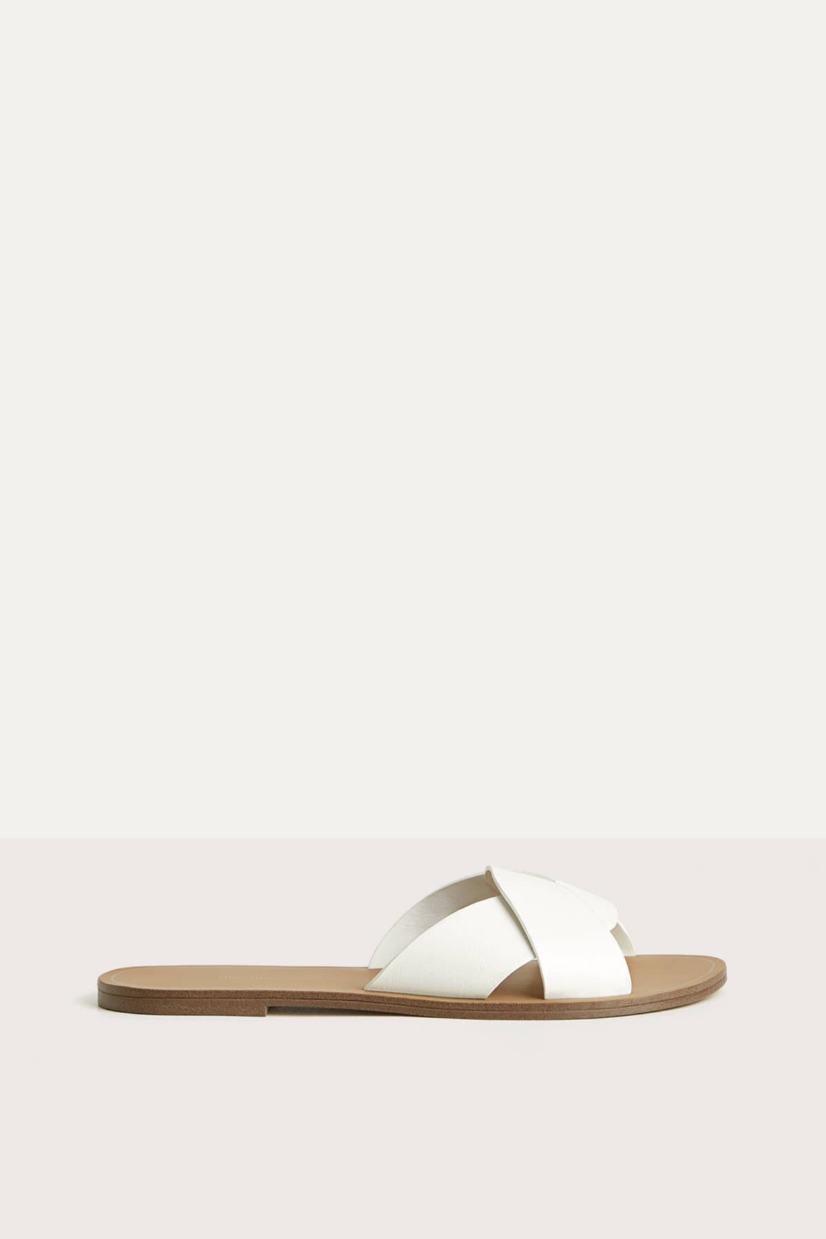 Bershka Kadın Beyaz Çapraz Bantlı Düz Sandalet 11800561 1