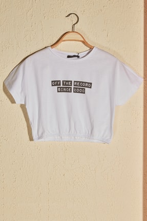 TRENDYOLMİLLA Beyaz Büzgülü Crop Örme T-Shirt TWOSS20TS1368 0