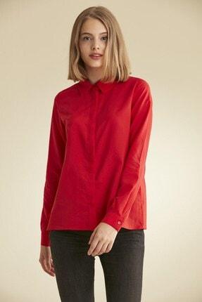 Kadın Kırmızı Gömlek resmi