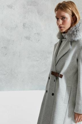 Picture of Kadın Beyaz Kürk Detaylı Palto 0KKPL5107A