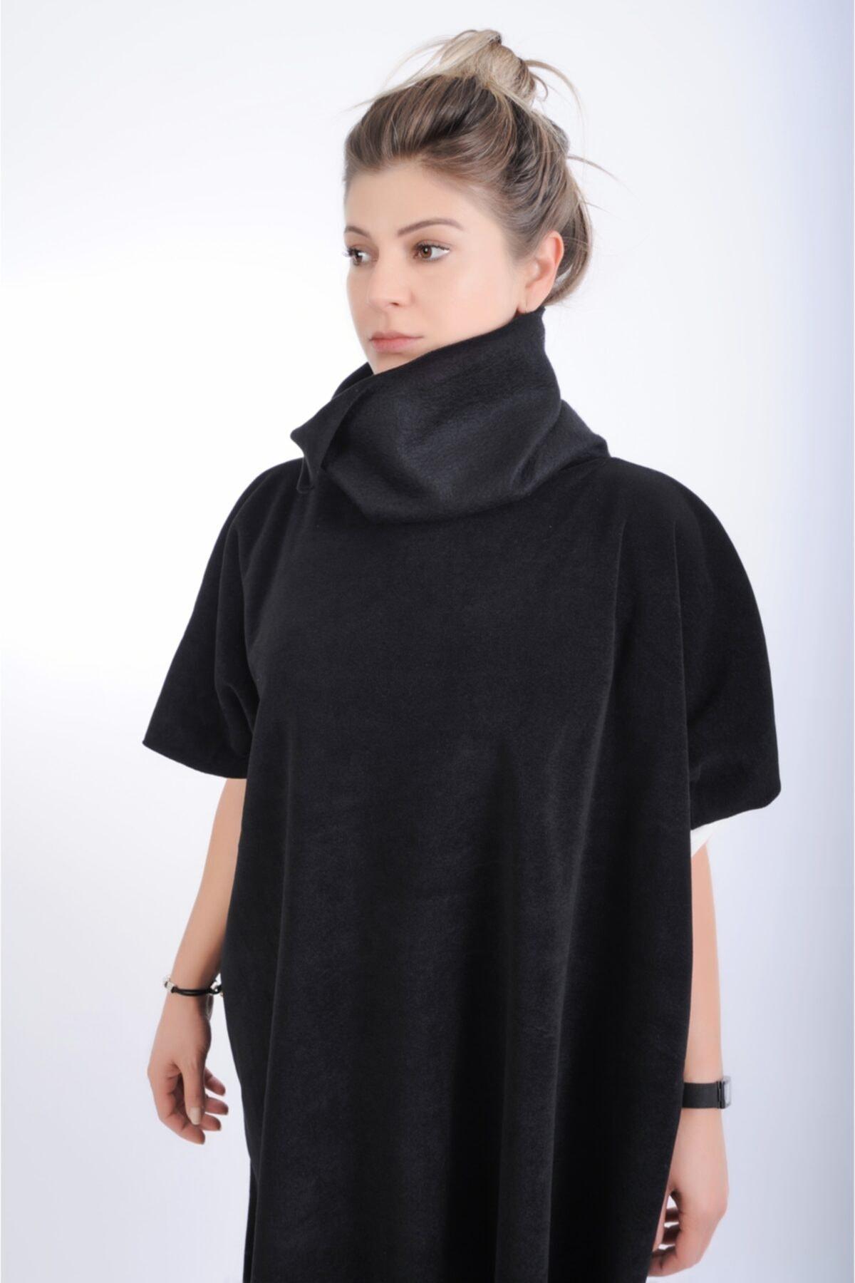 Kadın Siyah Polar Boyunlu Panço