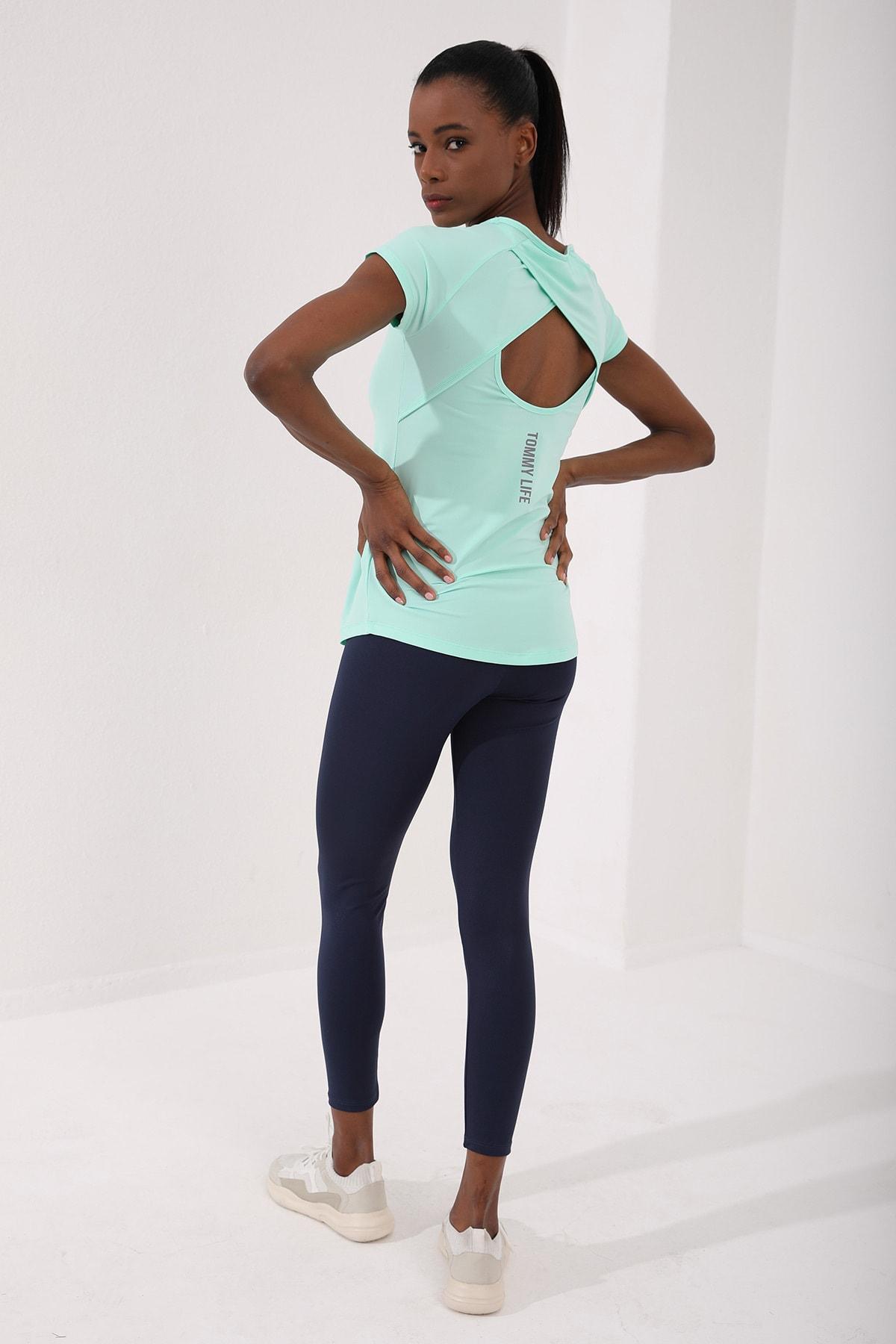 Mint Yeşili Kadın Sırt Pencereli Kısa Kol Standart Kalıp O Yaka T-shirt - 97101