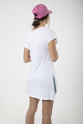 MD trend Kadın Beyaz V Yaka Yırtmaçlı Uzun Salaş T-shirt 2