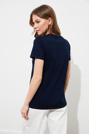 TRENDYOLMİLLA Lacivert Nakışlı Basic Örme T-Shirt TWOSS20TS0553 4