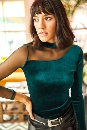 Kadın Zümrüt Yeşili Tül Detaylı Kadife Bluz BLZ-19001660